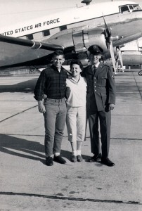 Mom-Steve-Jim-in-airforce