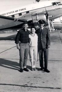 Mom-Steve-Jim-in-airforce