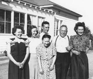 virginia-daisy-mabel-walter-and-their-parents-002